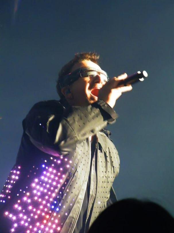 bono- jackets for U2′s Worldwide 360º tour.