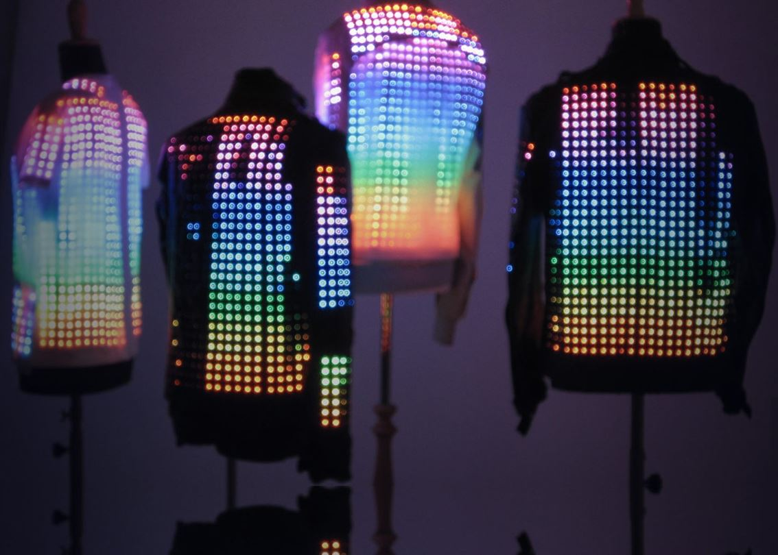 jackets for U2′s Worldwide 360º tour.