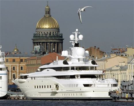 of-course-that-means-she-has-access-to-all-abramovichs-cool-toys-including-his-multiple-homes-and-fleet-of-superyachts