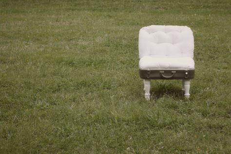 מי אמר שכסא בגינה צריך להיות מפלסטיק קשיח ולא נוח?