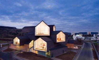 Architects: Herzog & de Meuron