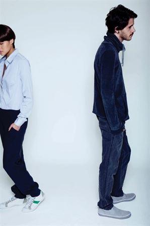 דגמים של שרה בראון - נסיונות מעניינים ליצור בגדים על זמניים. צילום: עמית ישראלי. סטיילינג: מעיין גולדמן