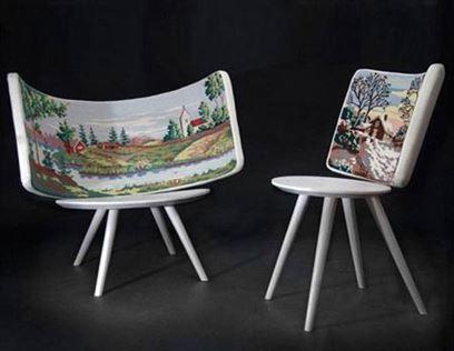 כסאות מודרניים, המשלבים גובלנים רקומים בנוסח אירופה של המאה ה-16, אצל John lindsten