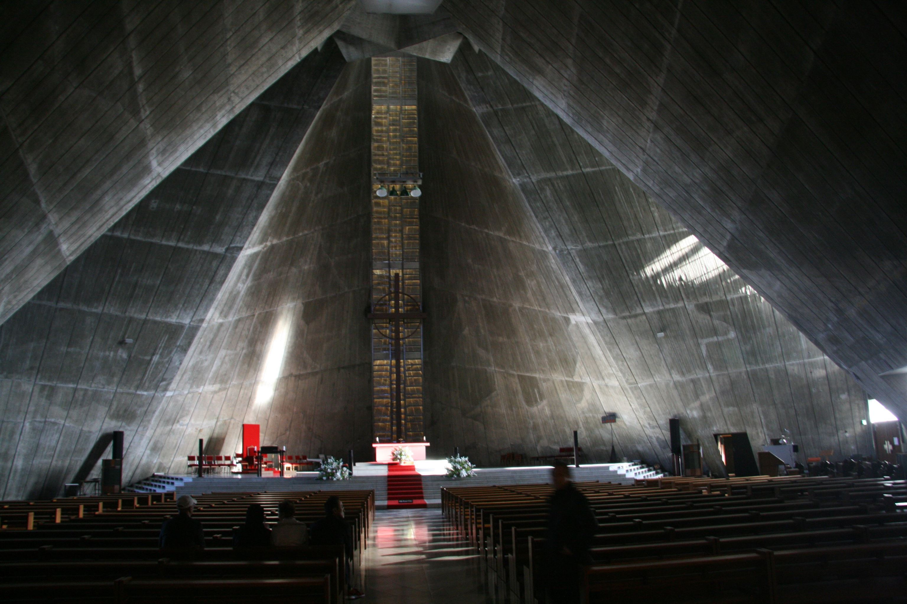 1 architecture-japan-tokyo-saint-marys-cathedral-@-journeylism.nl_