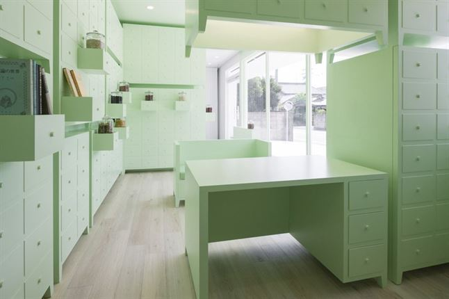 id-sumiyoshido-kampo-lounge-clinic-acupuncture-moxibustion-japan-designboom-08