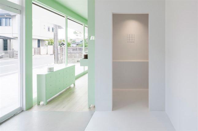id-sumiyoshido-kampo-lounge-clinic-acupuncture-moxibustion-japan-designboom-10