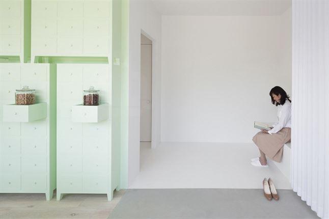 id-sumiyoshido-kampo-lounge-clinic-acupuncture-moxibustion-japan-designboom-11