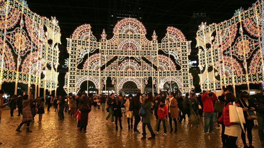 עיר הבשר היפנית KOBE מקיימת מדי שנה פסטיבל אור, המושך מבקרים מכל העולם