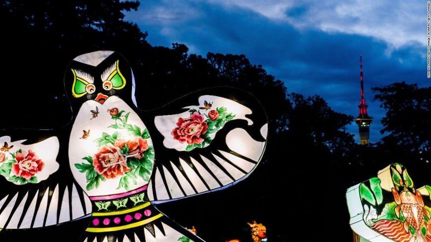 באוקלנד שבניו-זילנד, נפתח פסטיבל אור בן 4 ימים, החוגג את שנתו ה-17