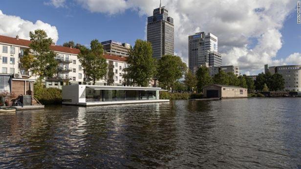 Watervilla Weesperzijde, אמסטרדם - יושב על נהר האמסטל באמסטרדם. עוצב על ידי + 31ARCHITECTS