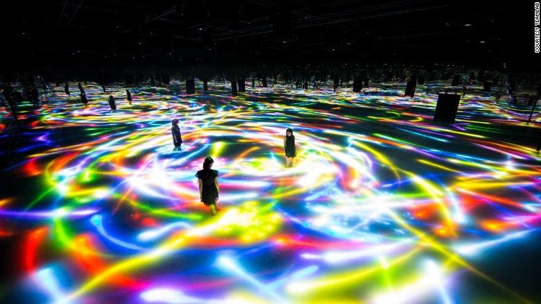מוזיאון בטוקיו מציע טיול בין כוכבי לכת