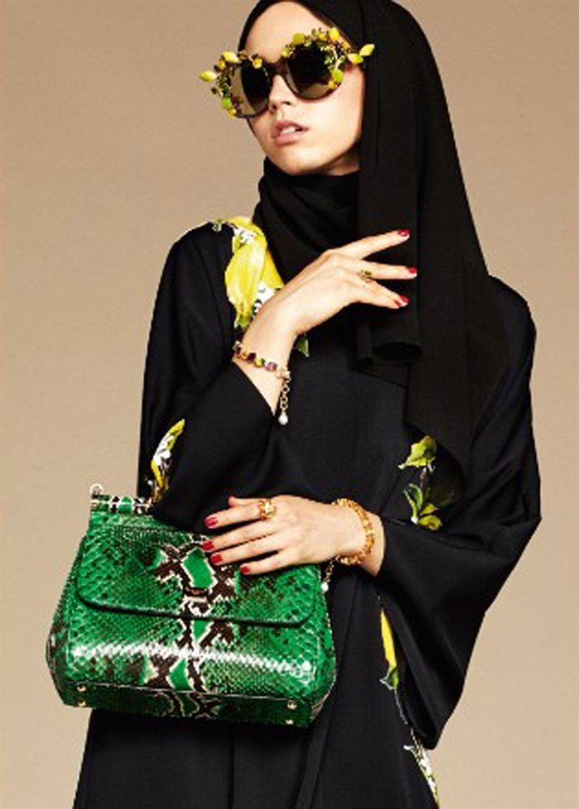 160107173539-dolce-gabbana-hijab-abaya-10-exlarge-169