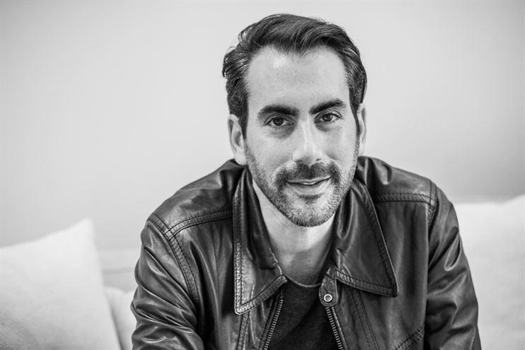 אדריכל דן ברון, נולד בתל-אביב וחי ועובד בלוס אנג'לס מגיל 7