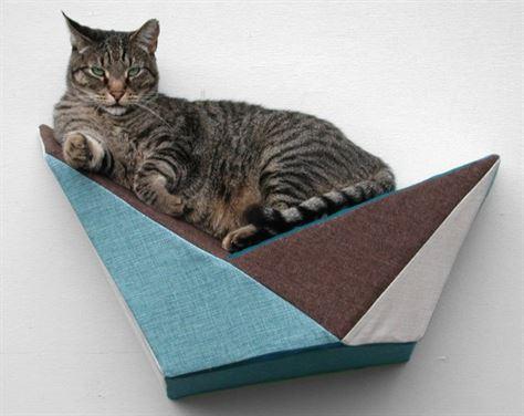 אתרי אינטרנט למכירת פריטי עיצוב, מקדישים מקום גם לאובייקטים עבור חיות המחמד
