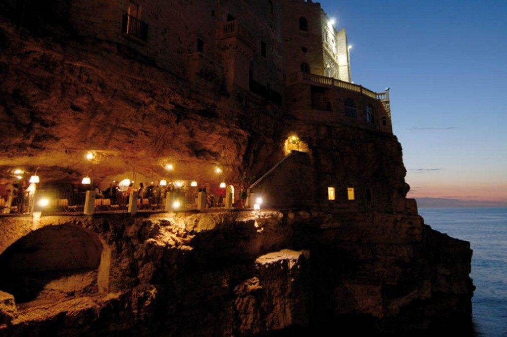 Grotta Palazzese: מסעדה בתוך מערה