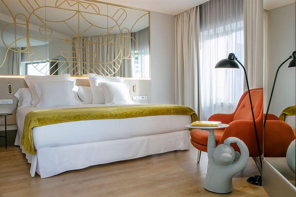 f1_barcelo_torre_de_madrid_hotel_jaime_hayon_yatzer-