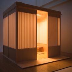 Hako 2008 בשנת 2008, מעצביםהודיעולתושבי יפן,חברה אשר מתגאה בהיתוך המסורתי עם המודרני, כי הם יצרו Hako -פירושו תיבהואכן פשוטו כמשמעו, זהו חלל פנימי שנועד לשמש כבית תה זמני בתוךחלל המגורים. Hako הוא מרחב אטום שמסנן ומעמעם פעילות שאר אזורי הבית. הוא פועל כמו יקום מיניאטורי מעשהה ידי אדם. ההרכבה שלו והפירוק קלים מאד, ללא צורך בבורג או במסמראחד. באותה שנה הוא זכה בפרס עיצוב יפני.
