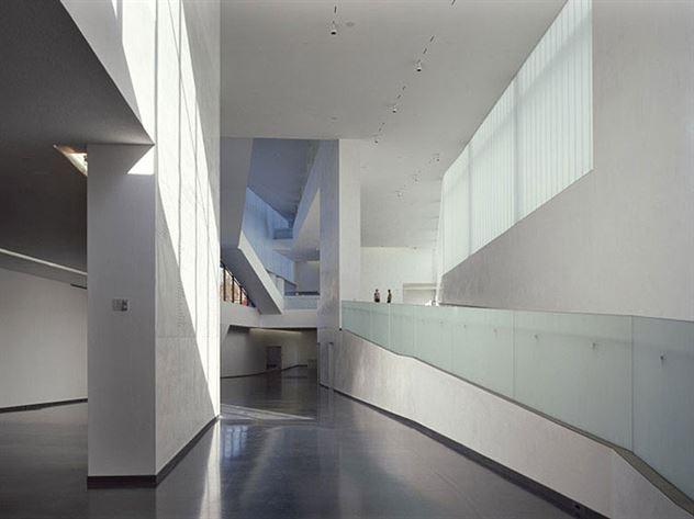 Projekt: NAMA Architekt: Steven Holl Ort: Kansas Cit