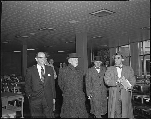 נובמבר 1956, פרנק לוייד רייט בא לבקר