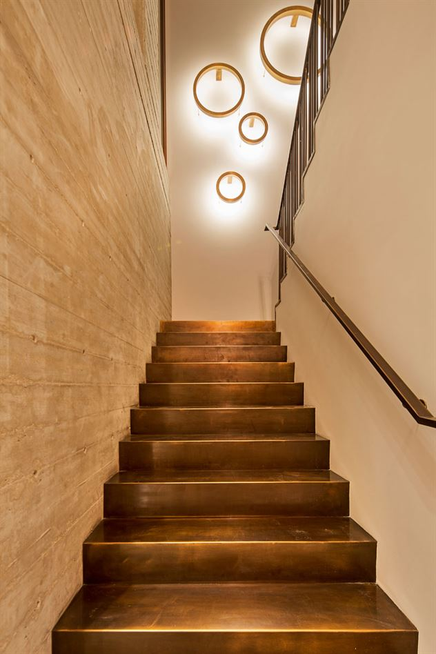 brass-stairs-interior-design-160517-958-10