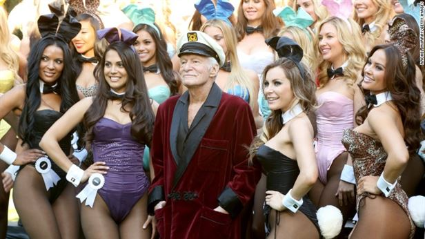 170928000453-hugh-hefner-with-playboy-bunnies-780x439