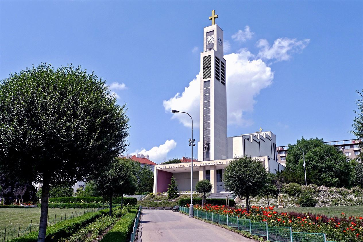 SvVaclav_Vrsovice-Saint-Wenceslas-Church