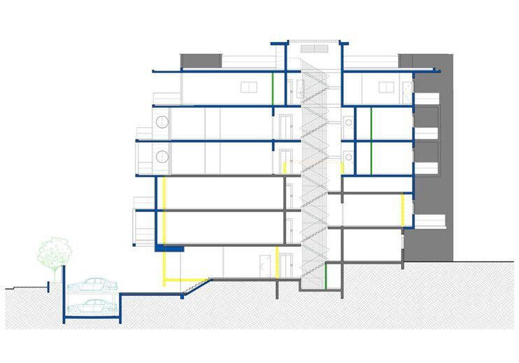 חתך המבנה החדש מוסיף פיר מעלית אך משמר את עיצוב חדר המדרגות המואר מגגו השקוף.