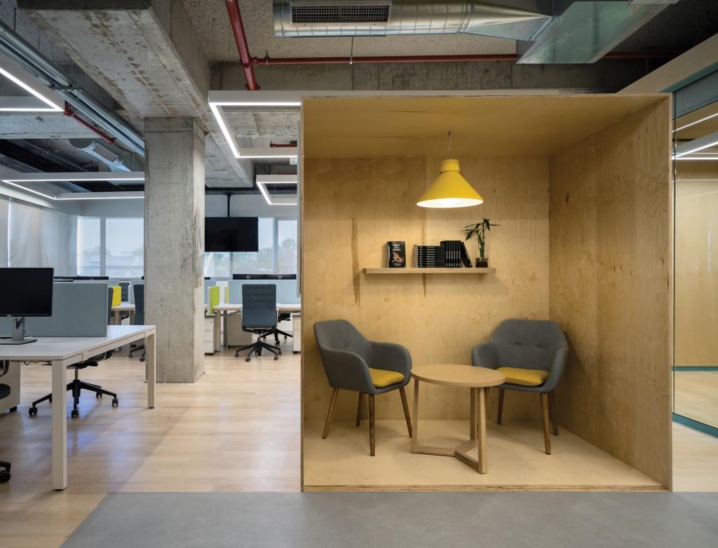 תאורה אדריכלית בסביבות עבודה