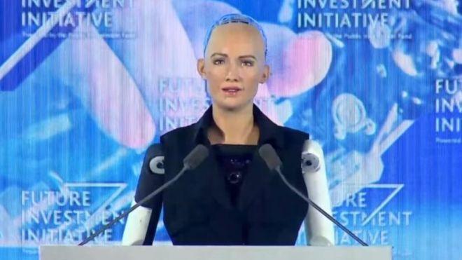 הרובוט הראשון בעולם שקיבל אזרחות – בערב הסעודית