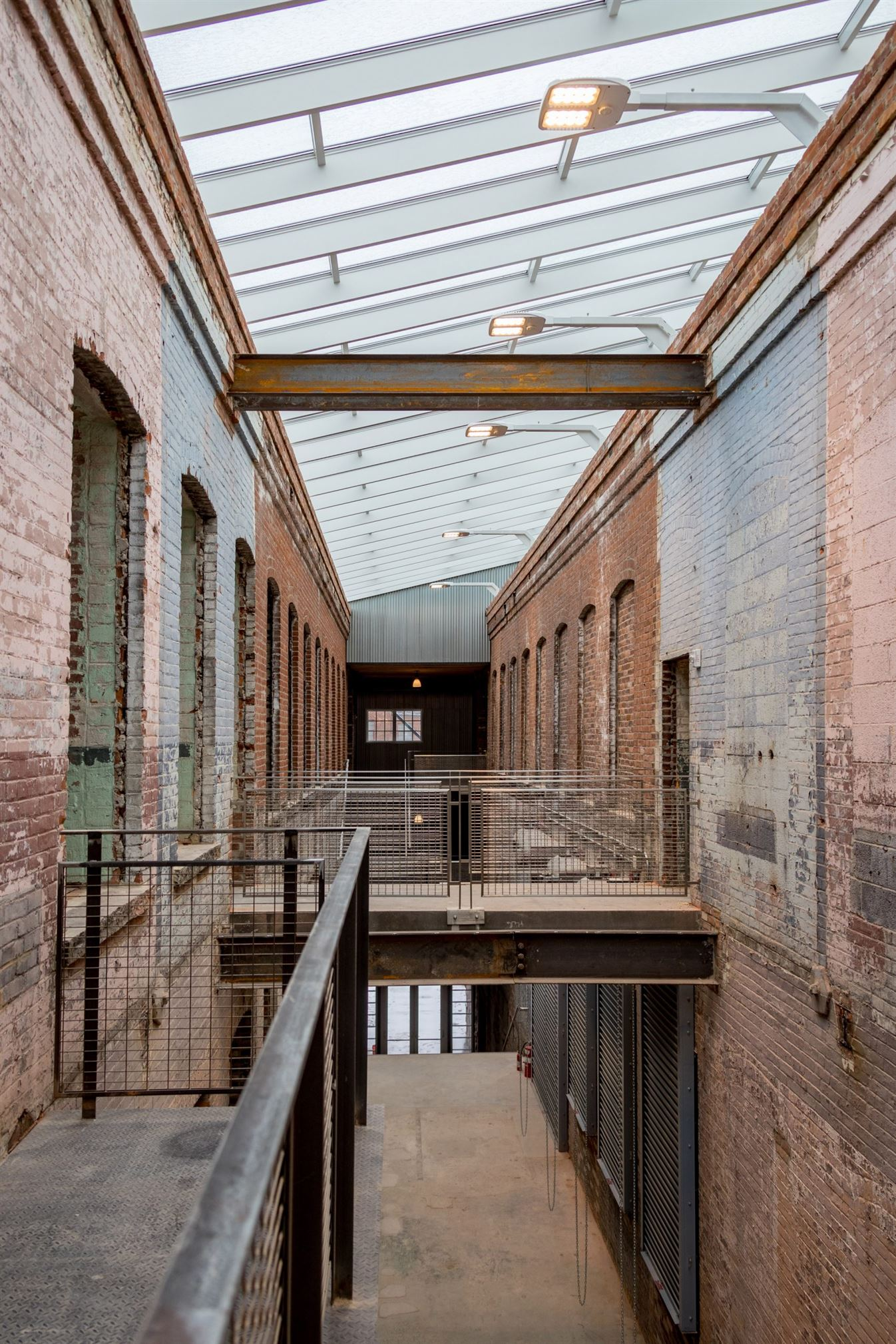 bruner-cott-mass-moca-massachusetts-museum-of-contemporary-art-museum-textile-8888factory-berkshires-expansion-renovation_dezeen_6-1704