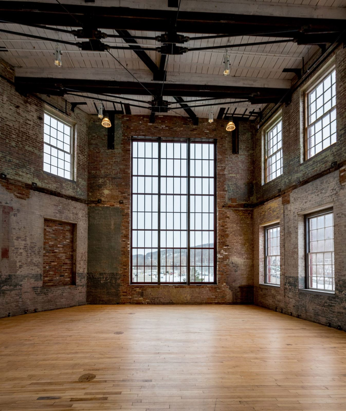 bruner-cott-mass-moca-massachusetts-museum-of-contemporary-art-museum-textile-factory-berkshires-expansion-renovation_dezeen_7-1704