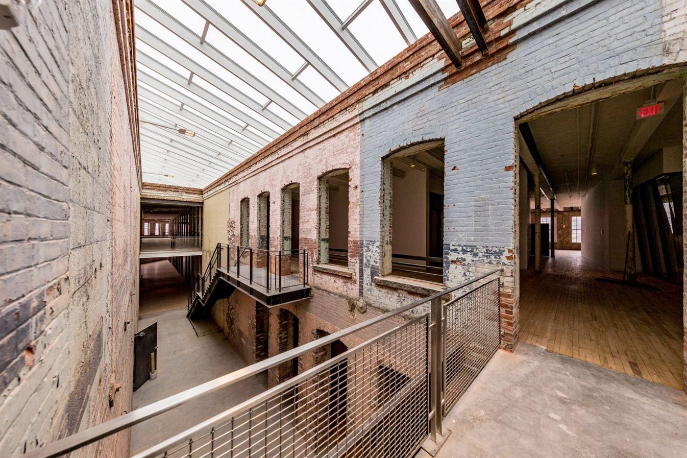 bruner-cott-mass-moca-massachusetts-museum-of-contemporary111111-art-museum-textile-factory-berkshires-expansion-renovation_dezeen_10-170