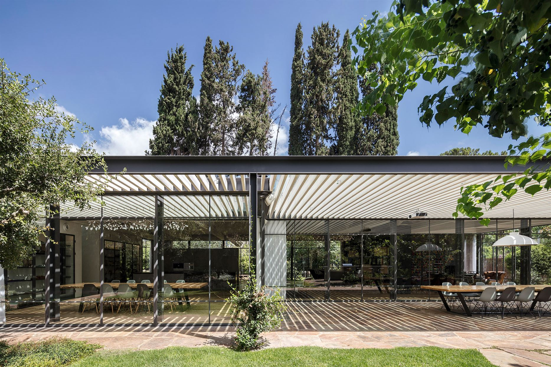 m-house-pitsou-kedem-architecture-residential-israel_dezeen_2364_col_3 (1)