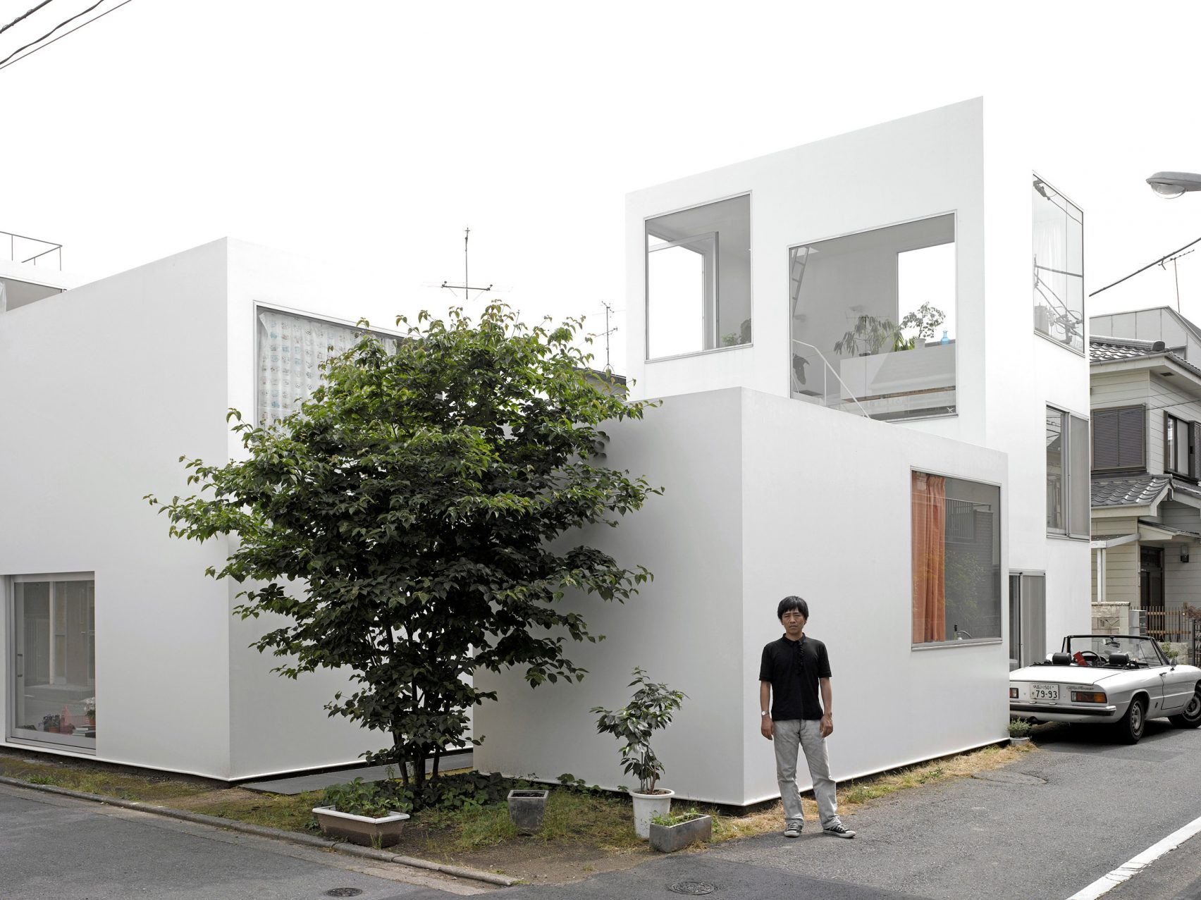 moriyama-house-photos-edmund-sumner-architecture-photography-residential-japan_dezeen_2364_col_0-1704x1277