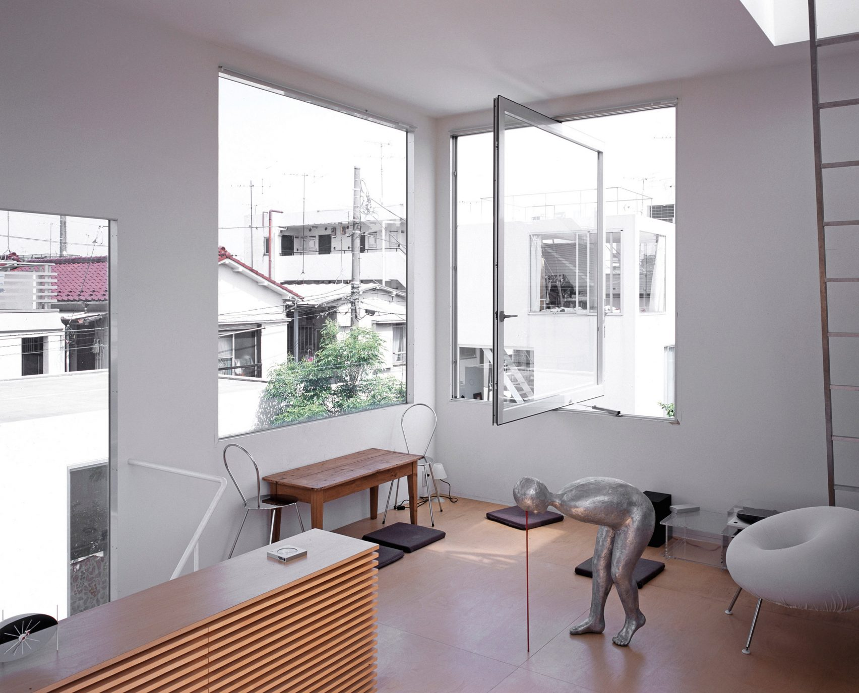 moriyama-house-photos-edmund-sumner-architecture-photography-residential-japan_dezeen_2364_col_11-1704x1376