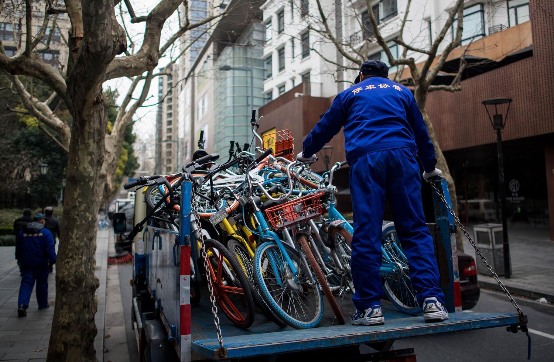 CHINA-TRANSPORT-BIKES-IMPOUND