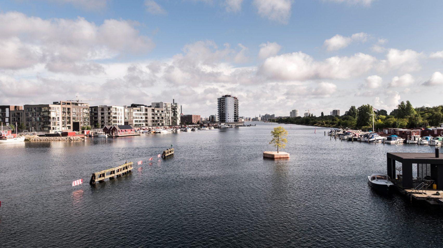 marshall-blecher-magnus-maarbjerg-copenhagen-floating-island_dezeen_2364_col_10-1704x957