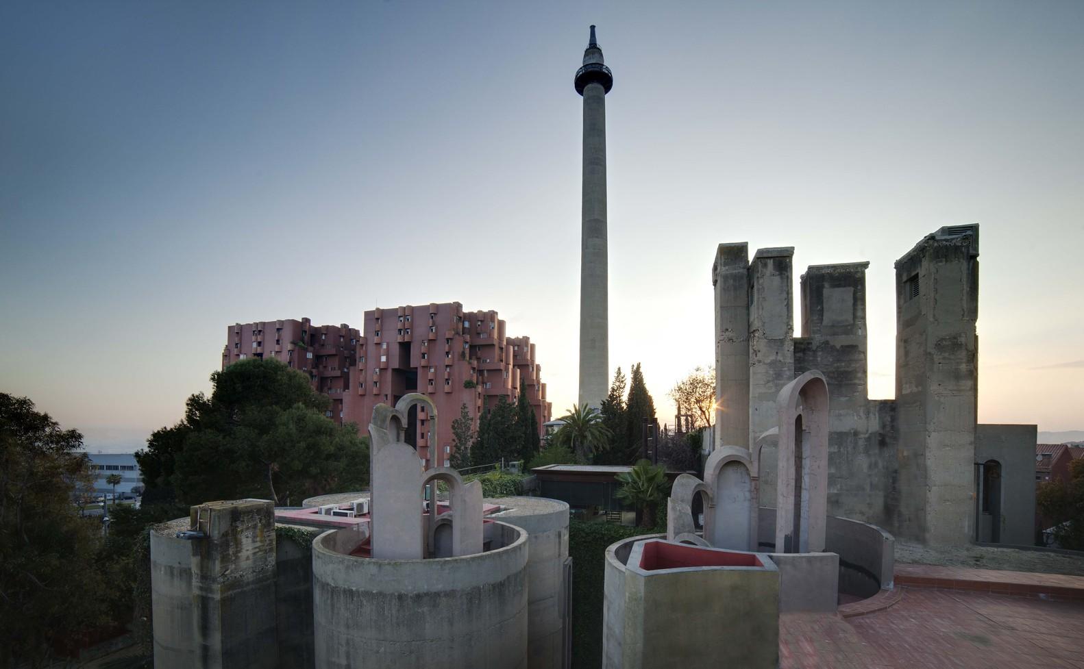 Ricardo_Bofill_Taller_Arquitectura_SantJustDesvern_Barcelona_Spain_OutdoorSpaces_(17)
