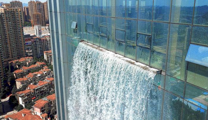 5b59bf72e5869-massive-artificial-waterfall-skyscraper-china-guiyang-28
