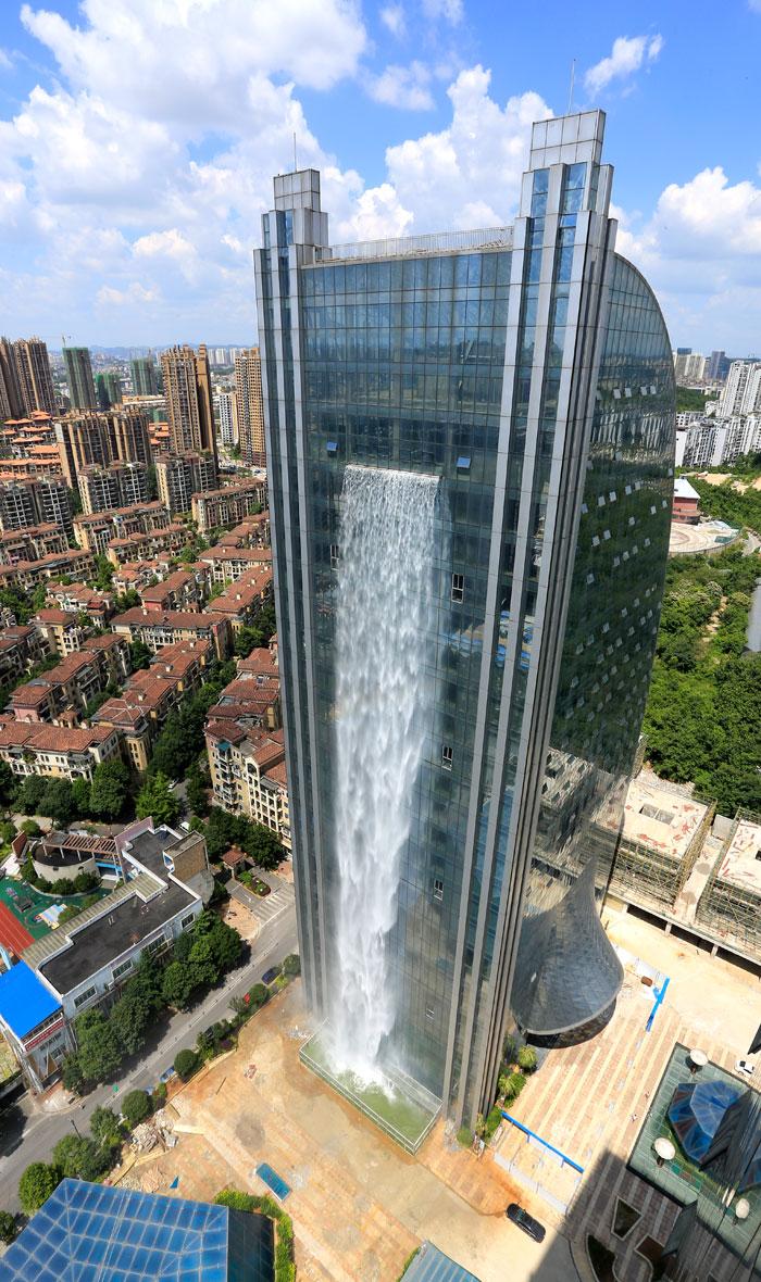 5b59bf73a4716-massive-artificial-waterfall-skyscraper-china-guiyang-26