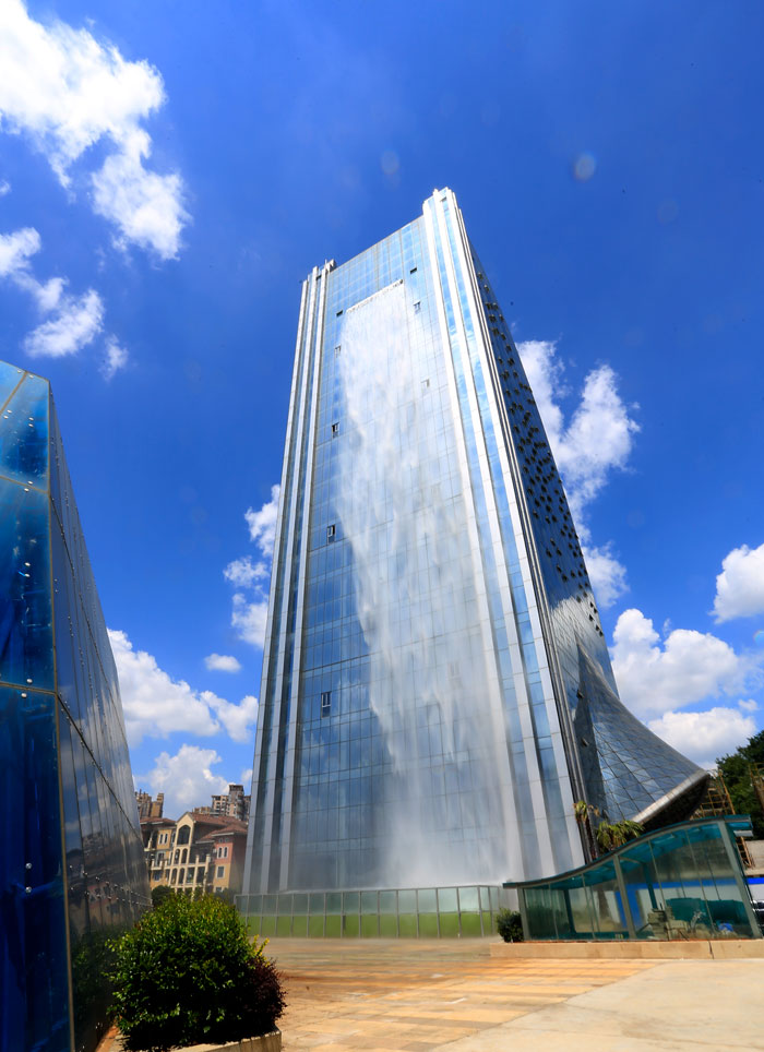 5b59bf741e6a1-massive-artificial-waterfall-skyscraper-china-guiyang-30