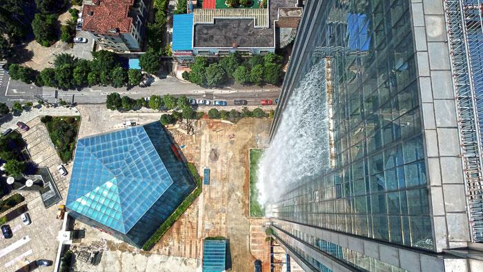 5b59bf7476c74-massive-artificial-waterfall-skyscraper-china-guiyang-32