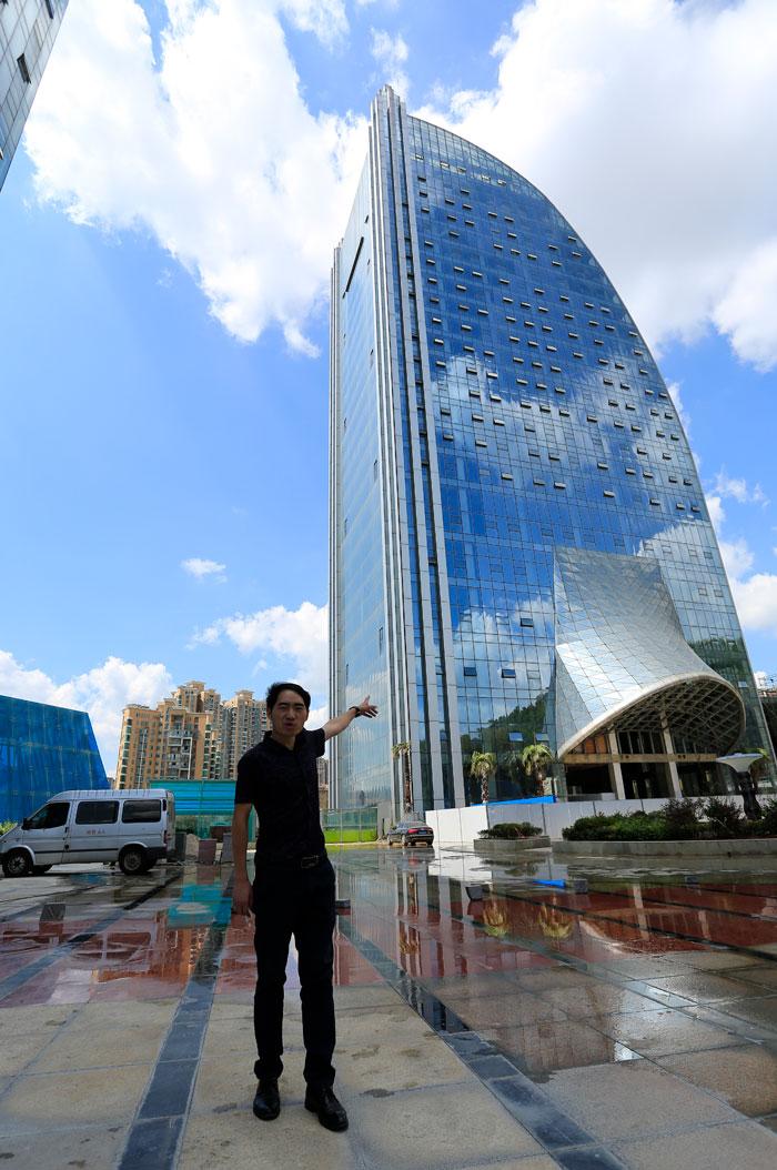 5b59bf758bfd8-massive-artificial-waterfall-skyscraper-china-guiyang-29