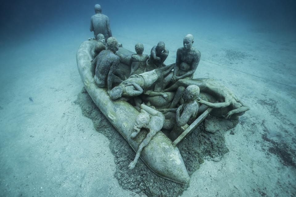 Museo-Atlantico_Lanzarote_Lampedusa_growth_00678-2_Jason-deCaires-Taylor_Sculpture