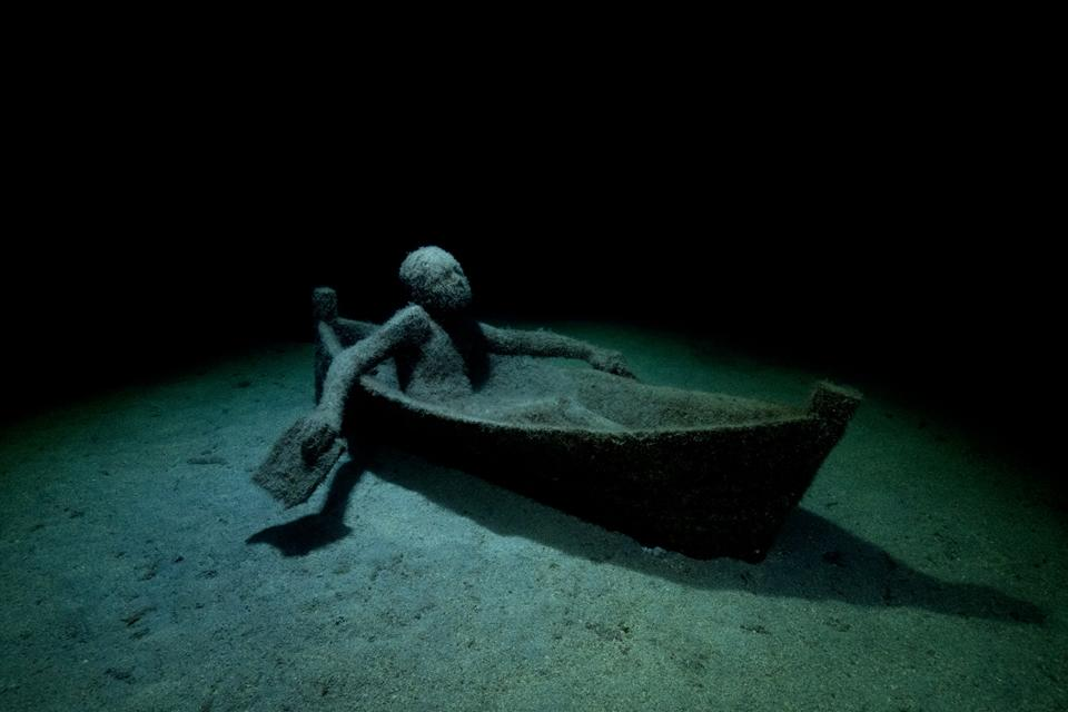 Museo-Atlantico_Lanzarote_growth_night_04672_Jason-deCaires-Taylor_Sculpture