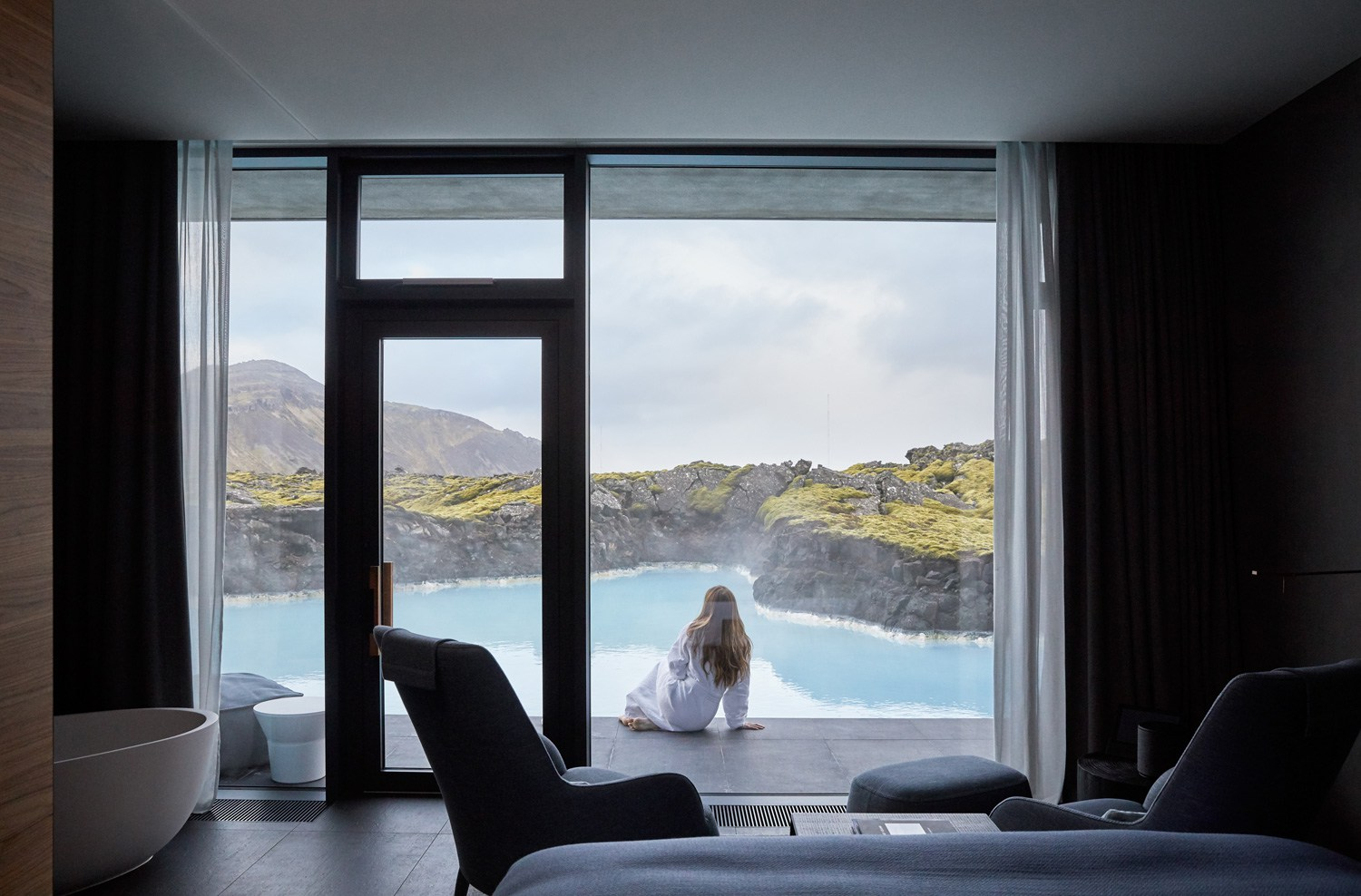 The-Retreat-Hotel-at-Blue-Lagoon-in-Grindavik-Iceland-Yellowtrace-15