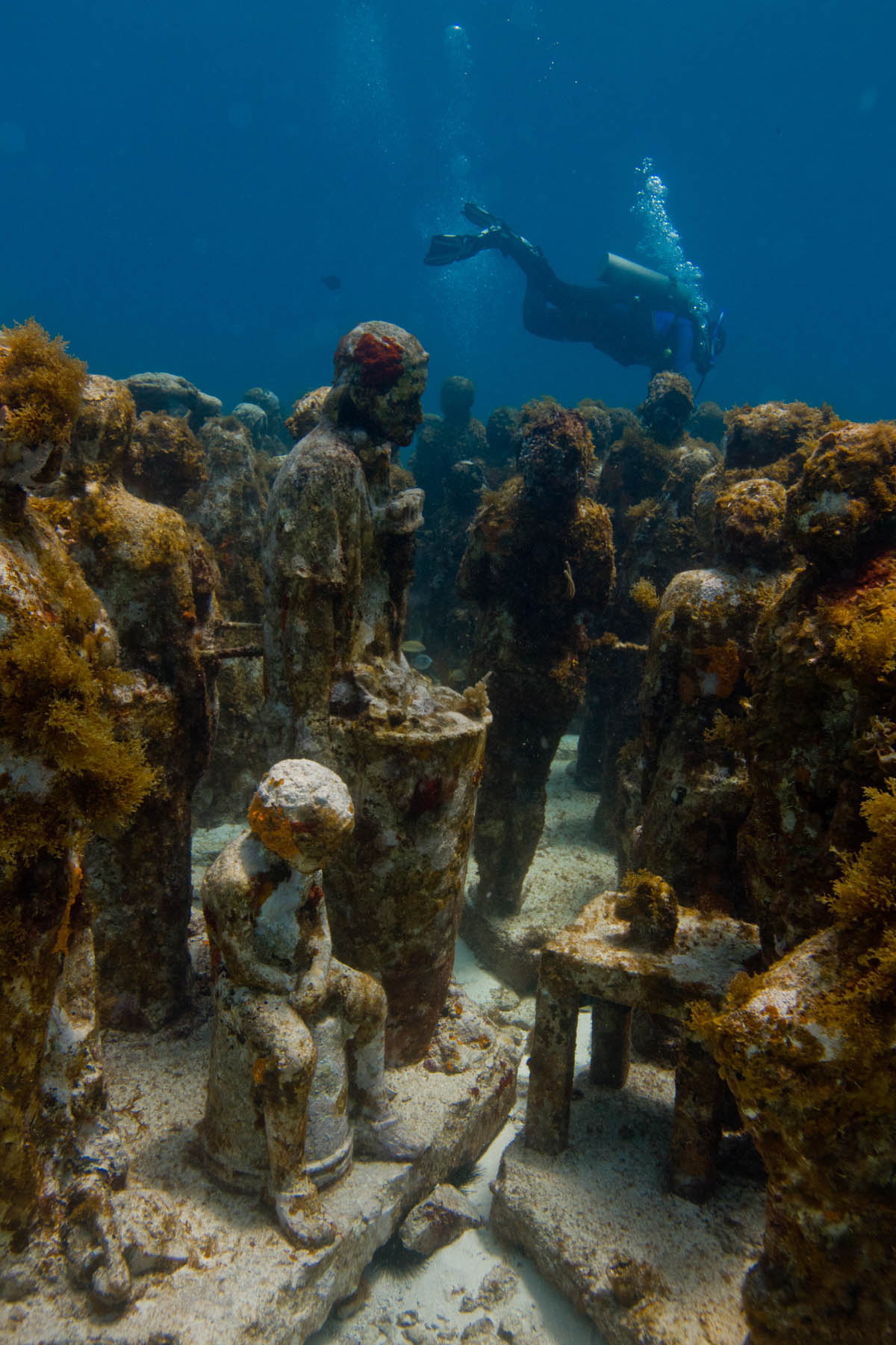 Underwater-sculpture-Silent-Evolution-Jason-DeCaires-Taylor