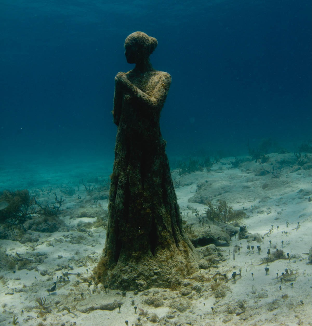Void-Underwater-scupture-Jason-DeCaires-Taylor-e1438384355482