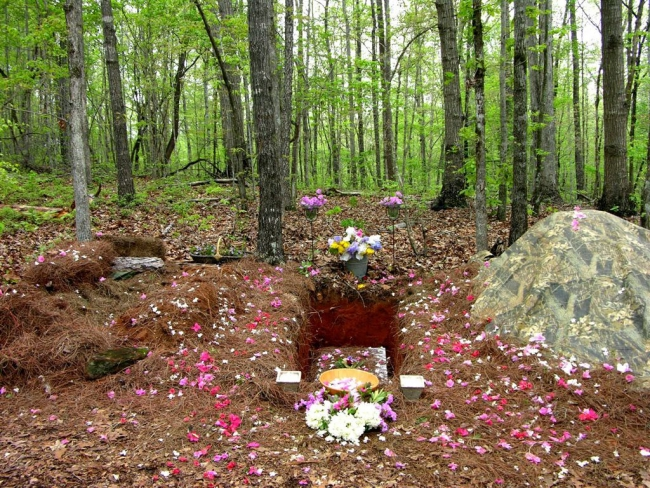 Grave-for-natural-burial-650x488