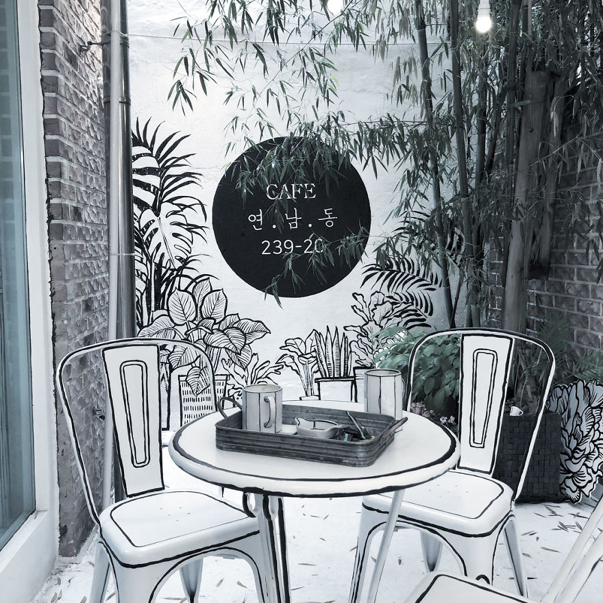 In-Seoul-this-unusual-cafe-makes-its-customers-feel-in-a-comic-book-5ba4ac27ec95e__880